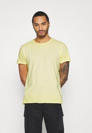 RADICAL - Jednoduché triko - light yellow cool wash