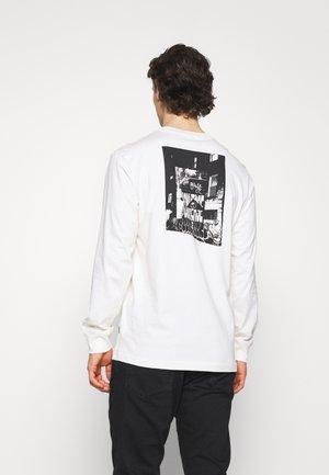 STAR CHEVRON PHOTO LONG SLEEVE - Camiseta de manga larga - egret