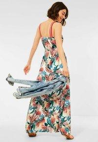 Cecil - MIT PRINT - Maxi dress - weiß - 1