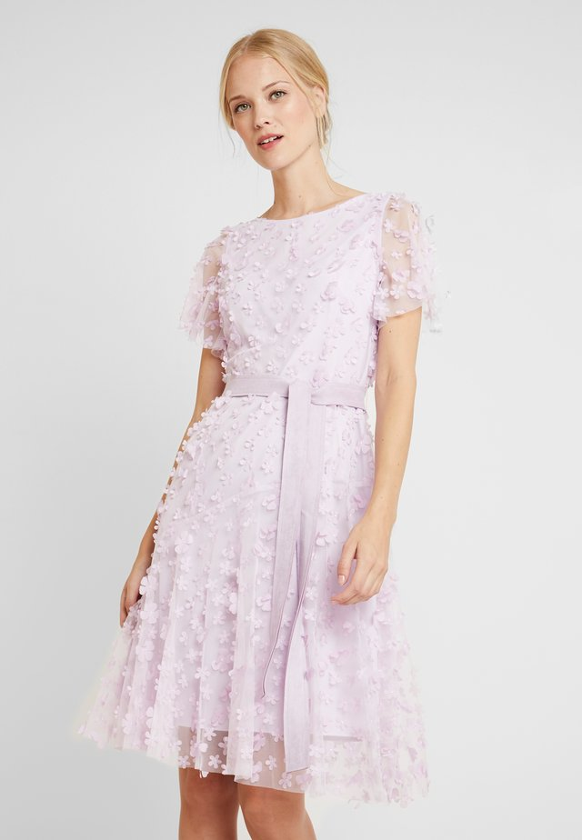 EMBROIDERED DRESS - Vestito elegante - lavender