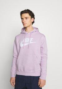 Nike Sportswear - CLUB HOODIE - Hoodie - iced lilac - 0