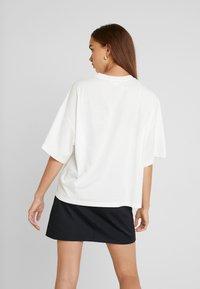 Monki - DAMALI  - Print T-shirt - white - 2