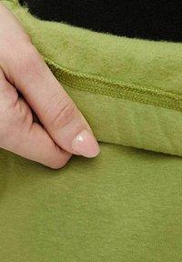 Pieces - Pantaloni sportivi - turtle green - 4