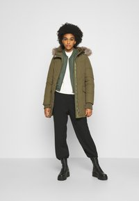 Tommy Jeans - TECHNICAL  - Down coat - olive tree - 1