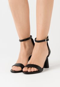 NA-KD - CONE SHAPE STRAP  - High heeled sandals - black - 0