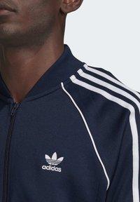 adidas Originals - ADICOLOR CLASSICS PRIMEBLUE SST TRACK TOP - Träningsjacka - blue - 4