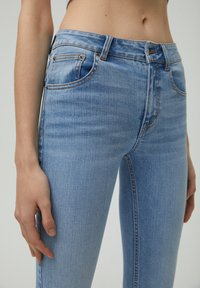 PULL&BEAR - LOW WAIST - Jeans Skinny Fit - light blue - 2