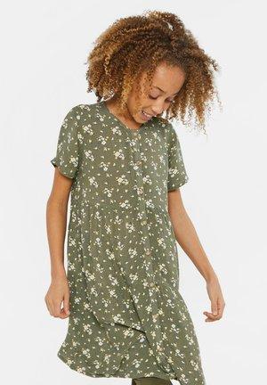WE FASHION MÄDCHENKLEID MIT BLUMENMUSTER - Shirt dress - army green