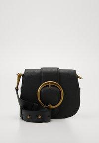 Polo Ralph Lauren - BELT SADDLE - Borsa a tracolla - black - 2