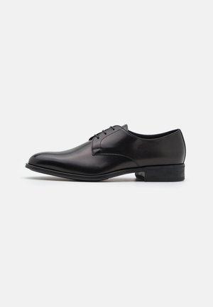 Šněrovací boty - nero