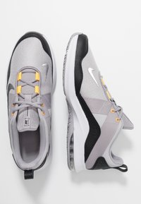 Nike Performance - AIR MAX ALPHA TRAINER 2 - Treningssko - atmosphere grey/metallic dark grey/vast grey/laser orange - 1