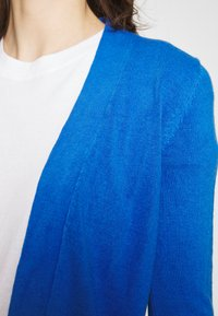 Marks & Spencer London - CASHMILON - Cardigan - blue - 5