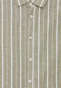 Blend - Vapaa-ajan kauluspaita - four leaf clover - 2