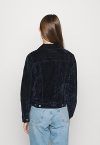Levi's® - ORIGINAL TRUCKER - Summer jacket - lush indigo - 2