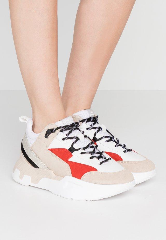 CHERLEE - Sneakersy niskie - multicolour/poinciana