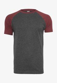 mottled gray/burgundy