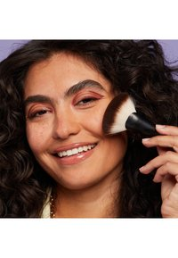 Nyx Professional Makeup - CAN'T STOP WON'T STOP MATTIFYING POWDER - Poudre - 04 medium - 2