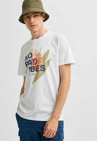 Selected Homme - STATEMENT - T-shirt med print - bright white - 3