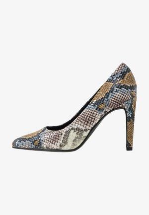 Zapatos altos - saffron