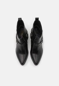 Les Tropéziennes par M Belarbi - KIMIKO - Ankle boots - noir - 5