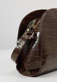 Pieces - Across body bag - chocolate fondant - 6