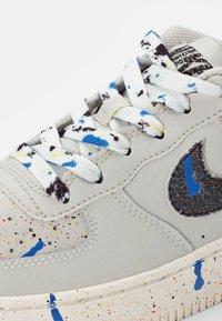 Nike Sportswear - AIR FORCE 1 - Trainers - bone/black-sail-black - 5