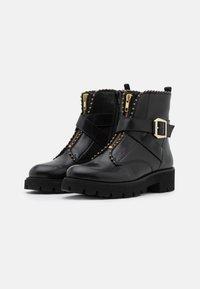 Steve Madden - JACKY - Platform ankle boots - black - 2
