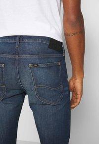 Lee - LUKE - Jeans slim fit - tinted freeport - 4