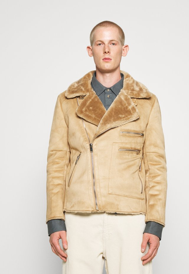 AVIATOR JACKET WITH SHERPA - Summer jacket - brown