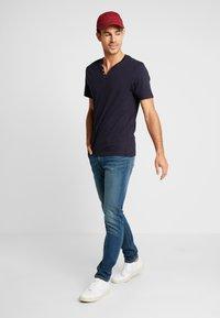 CELIO - NEBET - Basic T-shirt - navy blue - 1