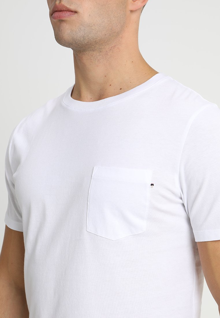 Jack & Jones JJEPOCKET TEE SS O-NECK - Basic T-shirt - white ft3F2