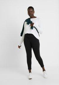 Even&Odd Curvy - Teplákové kalhoty - black - 1