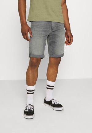 SLIM SHORT - Jeansshorts - denim grey