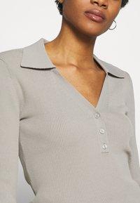 Weekday - FLAVIA - Camiseta de manga larga - light grey - 5