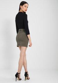 Missguided - SUPERSTRETCH SKIRT  - A-line skirt - khaki - 2