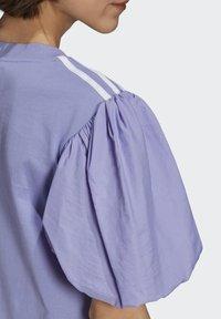 adidas Originals - Print T-shirt - light purple - 5