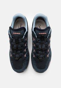 Lowa - MADDOX GTX - Hiking shoes - stahlblau/lachs - 3