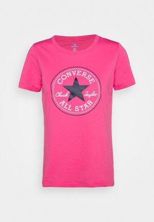 CHUCK TAYLOR PATCH TEE - Print T-shirt - bold pink