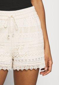 Vero Moda - VMHONEY - Shorts - sandshell - 4