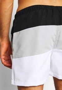 Ellesse - CIELO - Swimming shorts - black/grey/white - 4