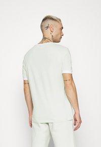 YOURTURN - SET UNISEX - Shorts - green - 2