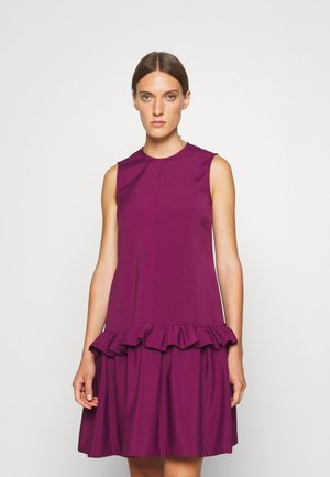 FLOUNCE SHIFT DRESS - Sukienka koktajlowa - raspberry jam