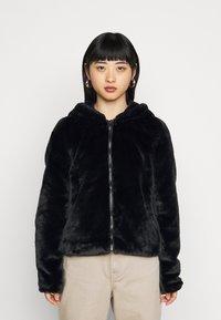 Noisy May Petite - NMLOMA JACKET - Zimní bunda - black - 0