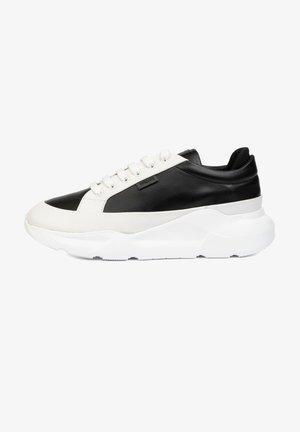 EVE - Sneakers laag - black white