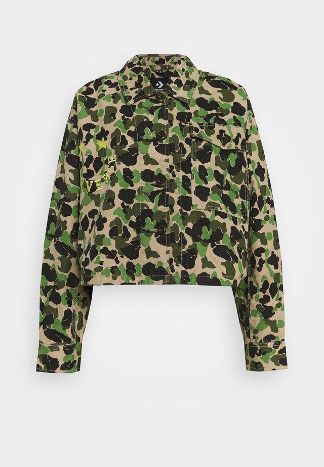 POCKET UTILITY JACKET - Summer jacket - mottled olive