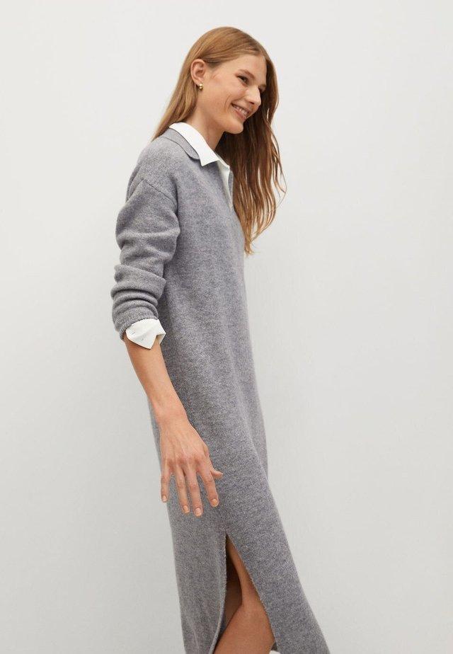 POLIN - Stickad klänning - grijs
