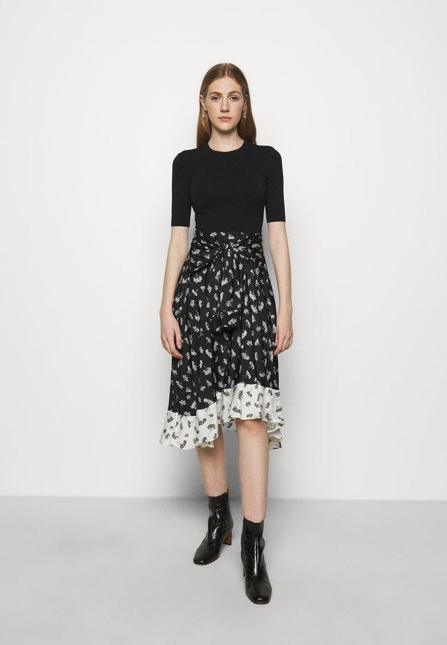 RAPRINA - Denní šaty - groseilles noir