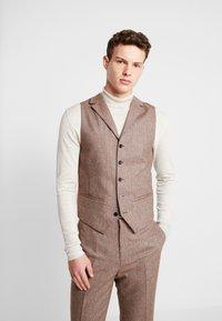 Shelby & Sons - CRANBROOK WAISTCOAT - Waistcoat - light brown - 0