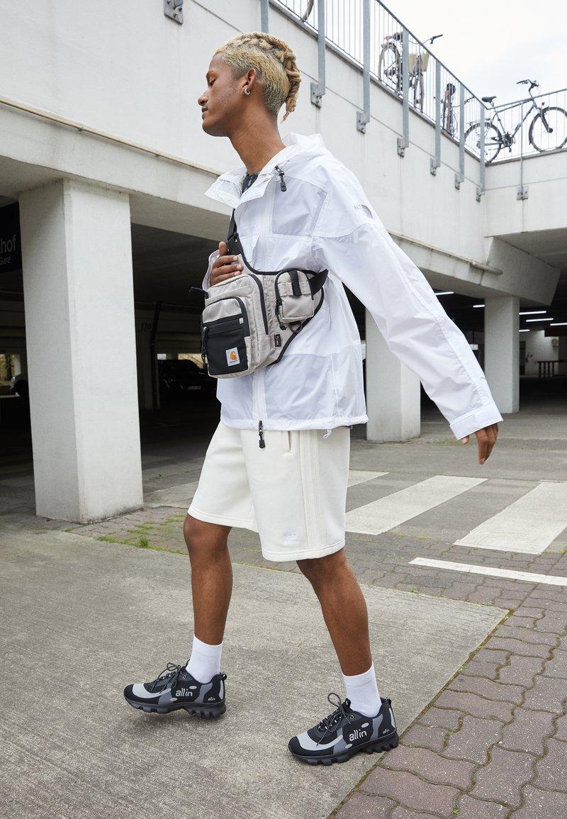 all in - YOKOAMA BASKETS BASSES - Trainers - black/grey
