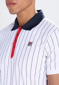 Fila - STRIPES - Funkční triko - white/peacot blue/red - 3